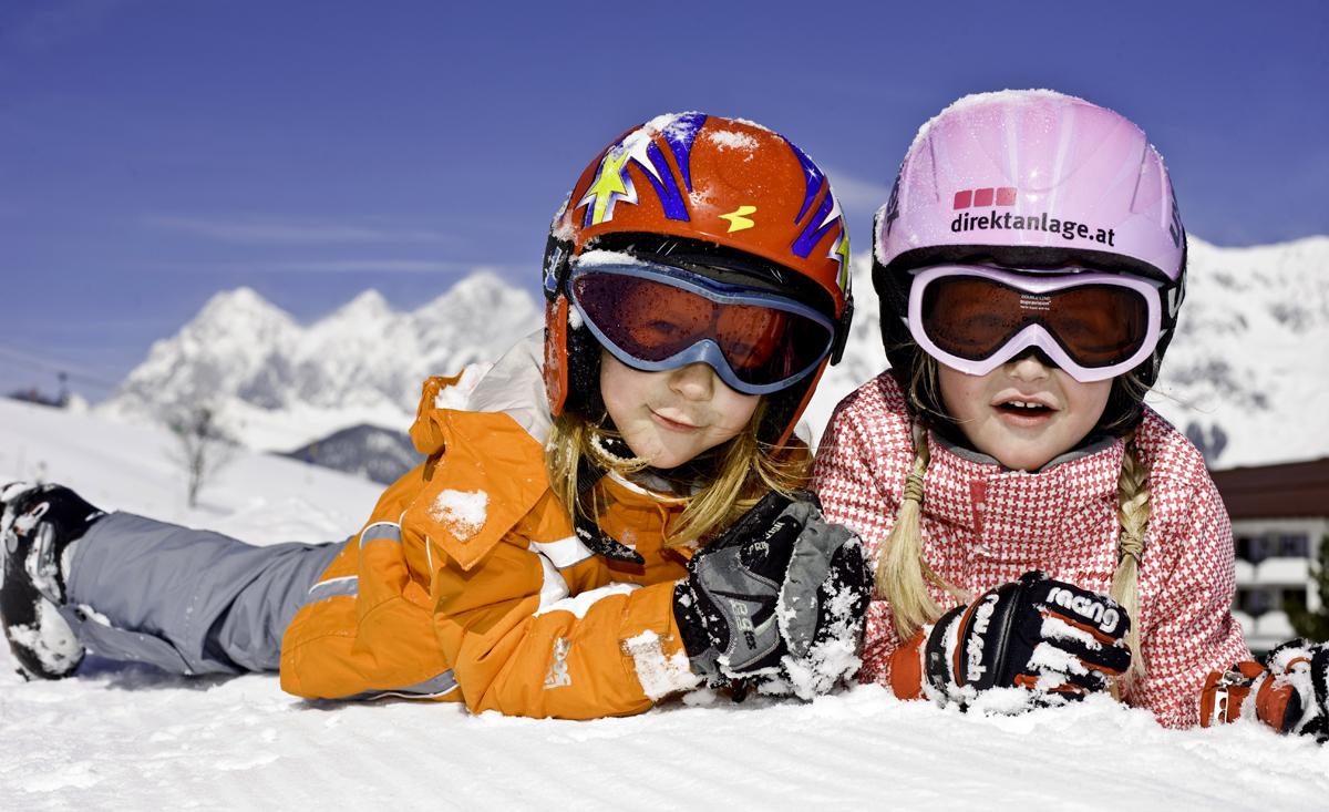 Divertimento per bambini e neve